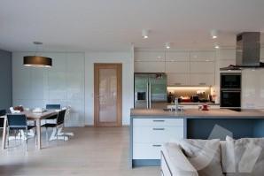 Kuchyně na míru vám usnadní vaření a dodá vašemu domovu to správné kouzlo